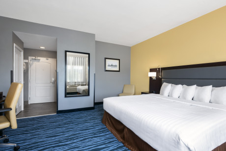 Days Inn San Francisco International Airport West - King Suite