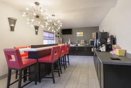 Lobby - Breakfast Area